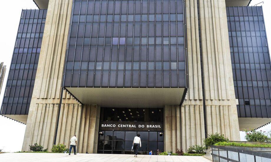 O Comitê de Política Monetária (Copom) do Banco Central (BC) realiza hoje (4) a primeira parte da reunião para definir a taxa básica de juros, a Selic