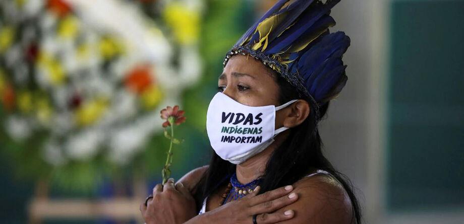 O processo foi movido pela Articulação dos Povos Indígenas do Brasil (Apib) e seis partidos políticos pedindo medidas legais imediatas pelo risco real de genocídio da população indígena
