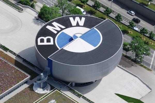 Já a receita da BMW sofreu queda anual de 22,3% no segundo trimestre, a 19,97 bilhões de euros