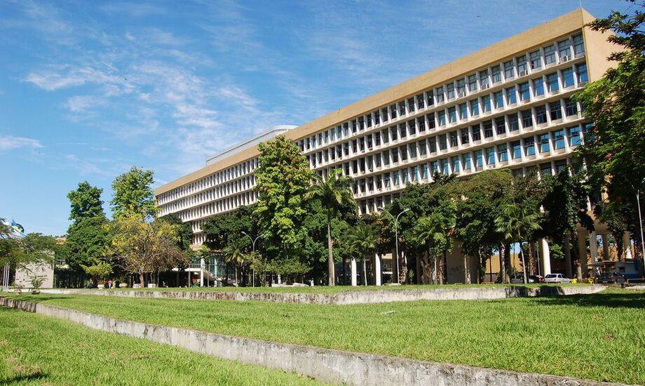 Com o adiamento do início do PLE, o término passou de 31 de outubro para 14 de novembro