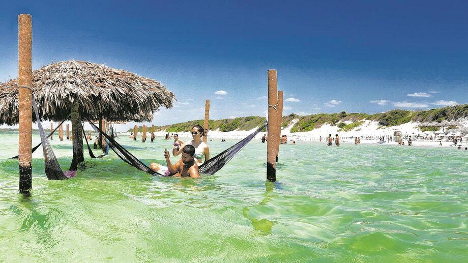 O Parque Nacional de Jericoacoara foi criado em 2002 com área de 8.416 hectares e, em 2007, teve os limites ampliados para 8.850 hectares, incluindo também uma faixa marítima com um quilômetro de largura, paralela à linha costeira