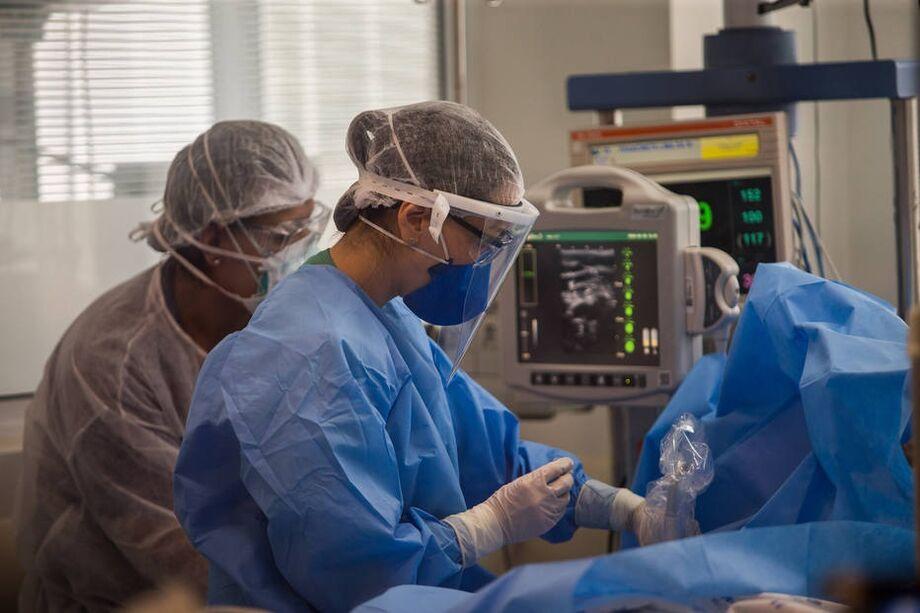 A principal complicação da síndrome é a ocorrência de aneurismas na artéria coronária
