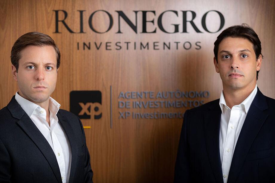 Os sócios fundadores da Rio Negro Investimentos, João Soares e Lucas Goulart