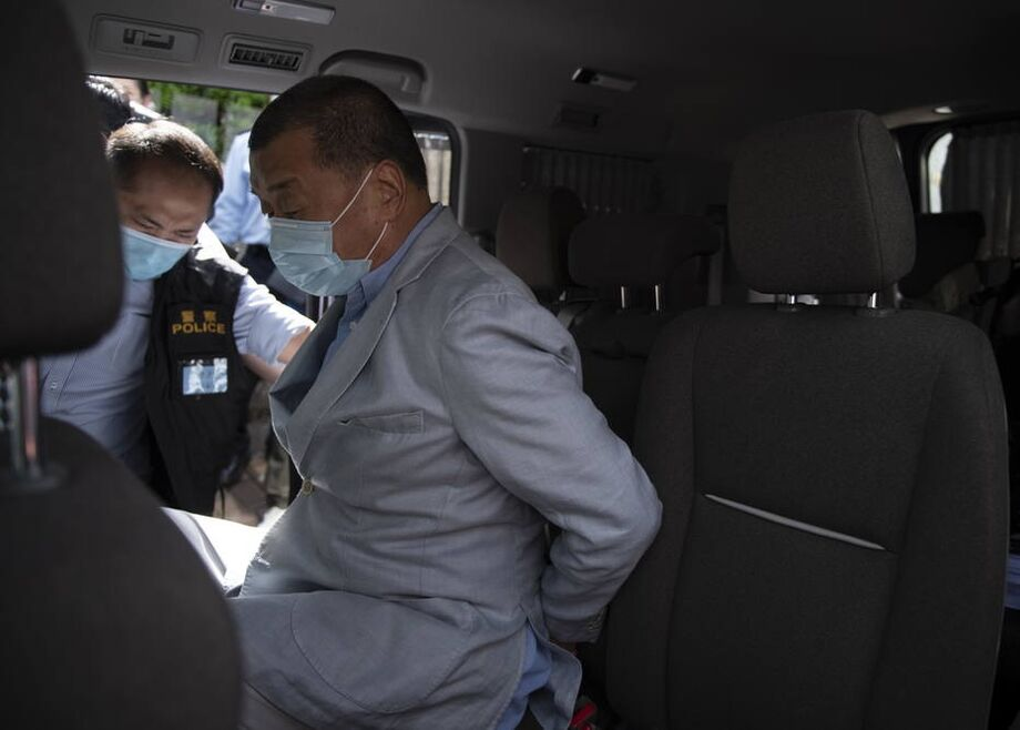 Magnata da imprensa, Jimmy Lai foi preso em Hong Kong acusado de fraude e conluio com forças estrangeiras