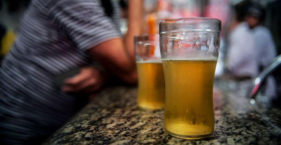 Será proibido o consumo da cervejinha em locais públicos