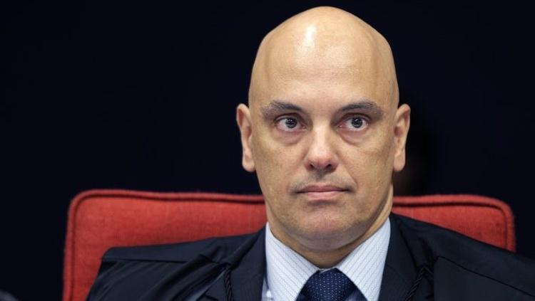 Alexandre suspende depoimento de investigação até Aécio ter acesso a delações