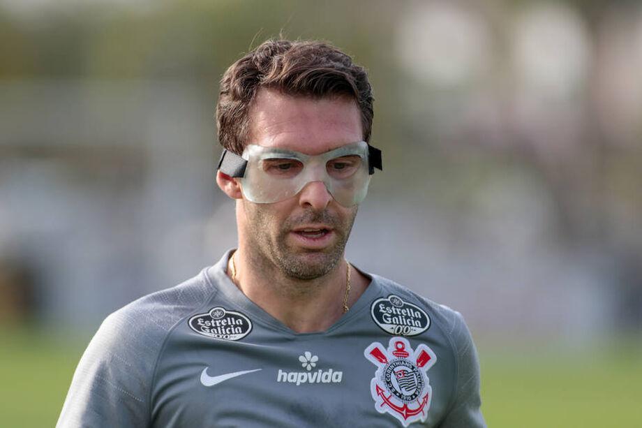 Mauro Boselli em treino do Corinthians