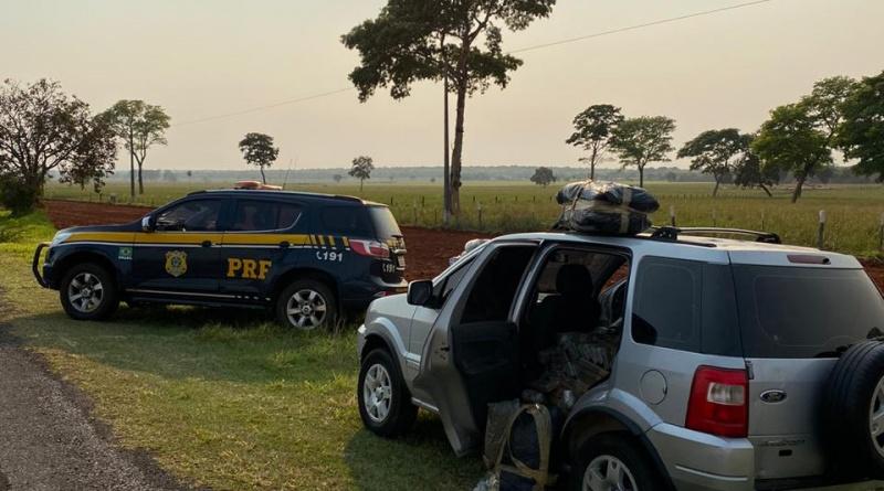 Agentes da Polícia Rodoviária Federal apreenderam na manhã de hoje (12) 380 kg de maconha e 78,4 kg de skunk