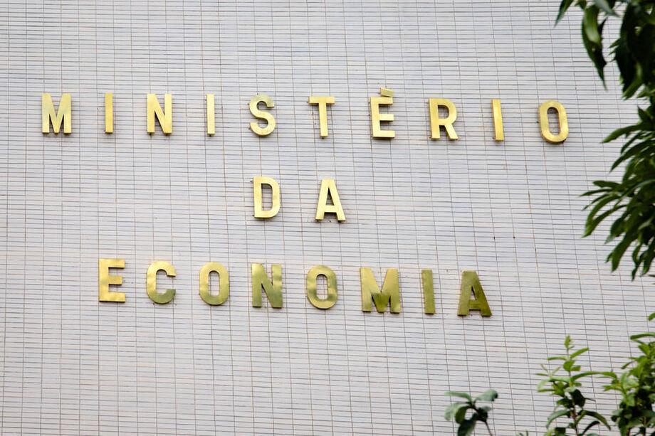 Ministério da Economia mantém em 4,7% projeção para queda do PIB em 2020