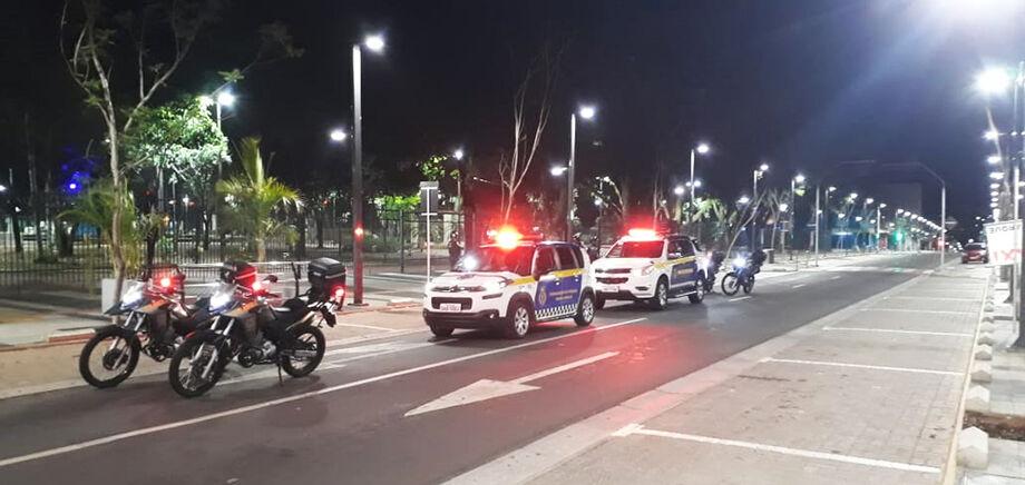 No decreto publicado ontem (14) e assinado pelo prefeito Marquinhos Trad (PSD), fica terminantemente proibida a circulação de pessoas