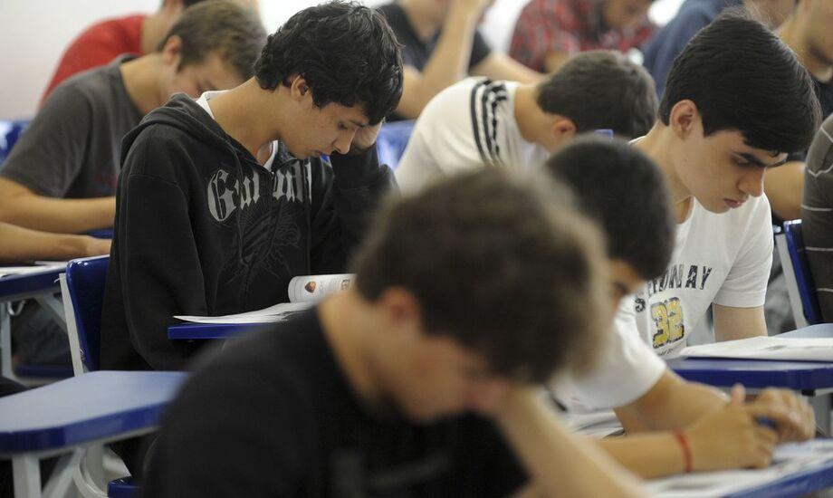 Os resultados, no entanto, não foram tão bons em língua portuguesa. Após avanços desde 2003, o 5º ano do ensino fundamental ficou estagnado entre 2017 e 2019