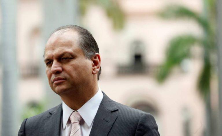 Barros afirmou estar tranquilo e em total colaboração com as investigações do Ministério Público do Paraná