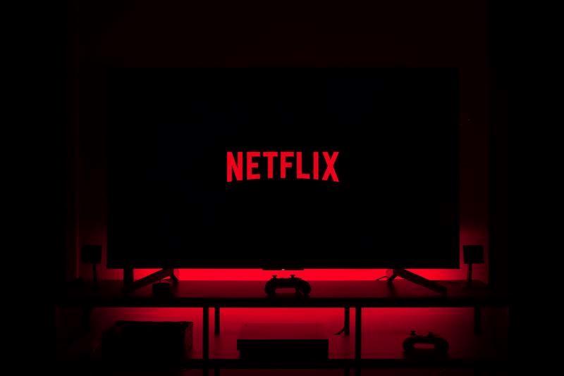 O caso da Netflix é o mais emblemático e pode ser usado para ilustrar tal eficiência.
