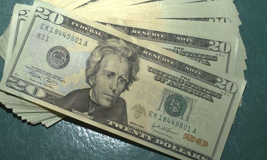 O fluxo cambial do ano até 11 de setembro ficou negativo em US$ 15,784 bilhões, informou nesta quarta-feira, 16, o Banco Central. Em igual período do ano passado, o resultado era negativo em US$ 8,914 bilhões