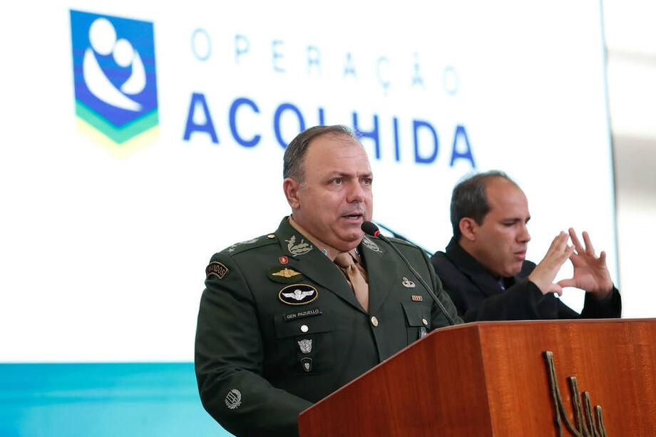 O general Eduardo Pazuello foi empossado hoje (16) como ministro da saúde