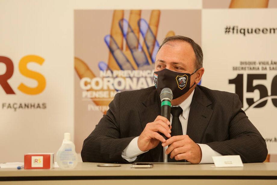 Em seguida, Pazuello acabou com as entrevistas coletivas diárias.