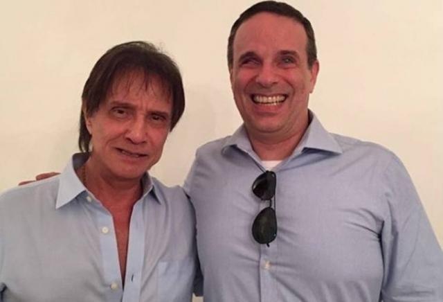 O cantor Roberto Carlos e o filho Dudu Braga