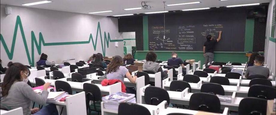 Hexag retomou as aulas presenciais na unidade de São José dos Campos