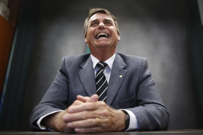 Depois de minimizar queimadas em viagem a MT, Bolsonaro destaca ações do governo