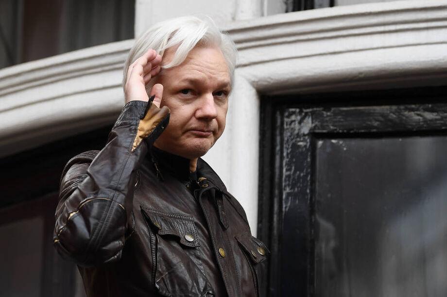 Aliado de Trump ofereceu acordo a Assange, diz advogada