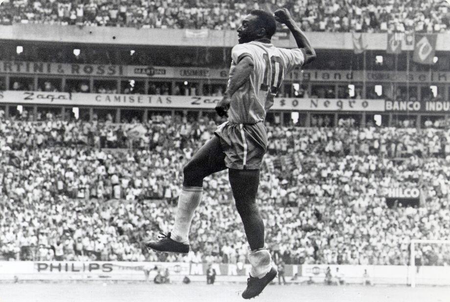 Pelé, a grande estrela e ícone mundial