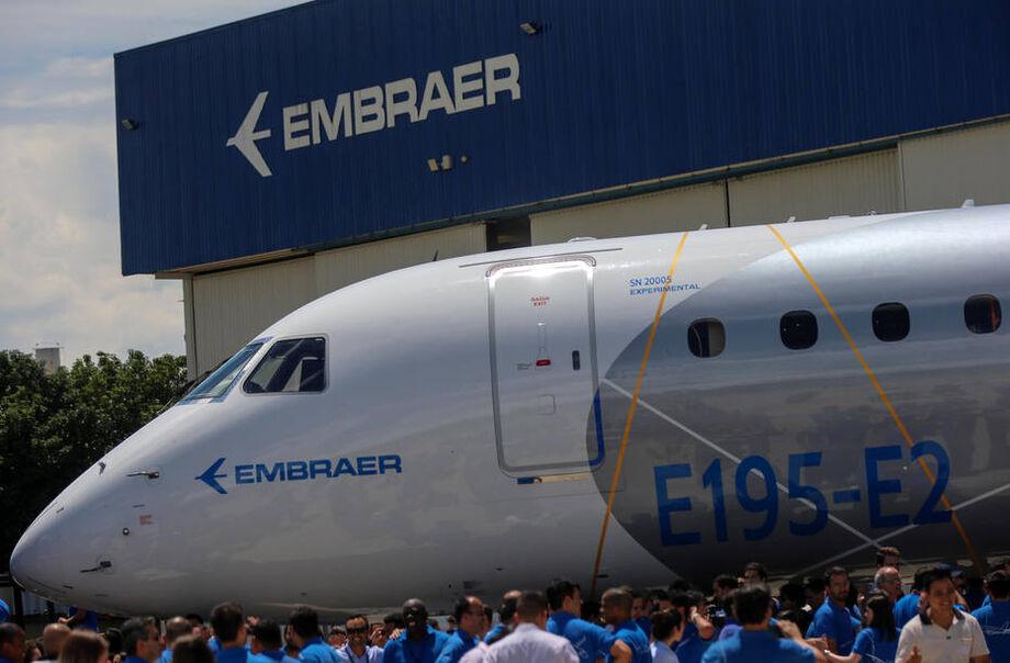 O sindicato subiu o tom contra a empresa depois que a Embraer anunciou a demissão de mais de 900 trabalhadores