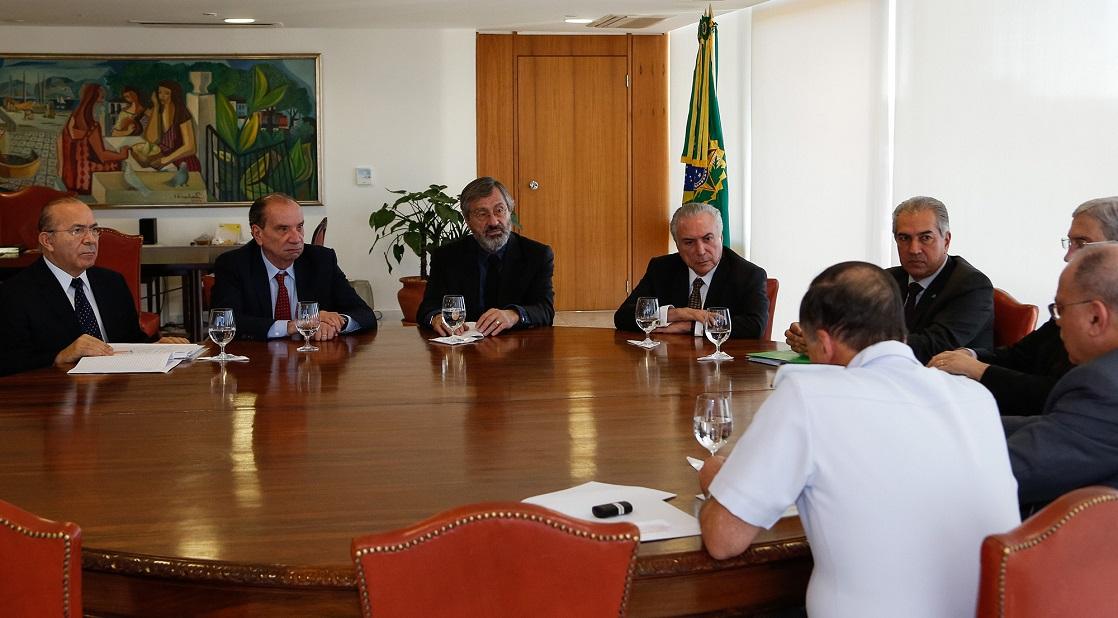 Reunião entre Reinaldo Azambuja, Michel Temer e ministros foi realizada no Palácio do Planalto.