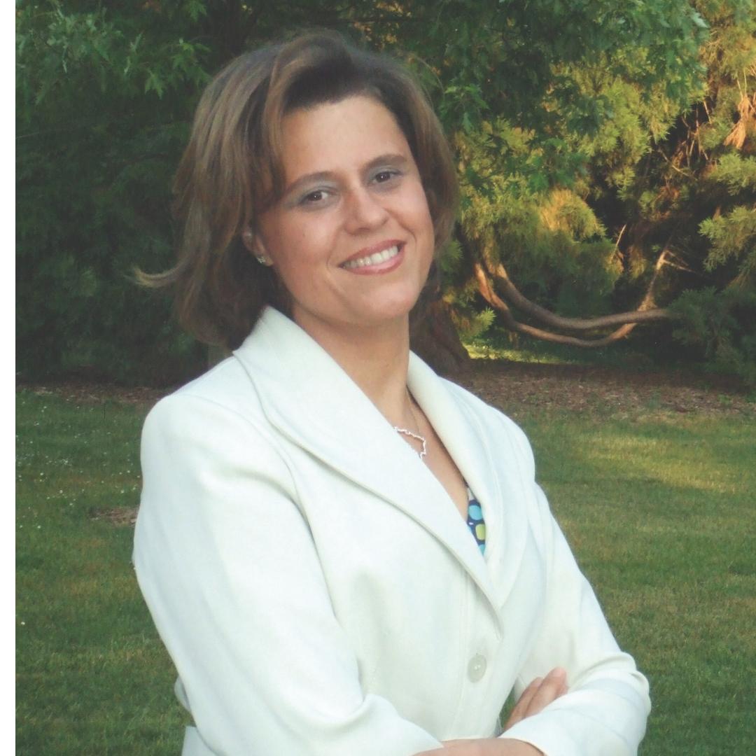Lylian Loureiro  Immigration Advisor