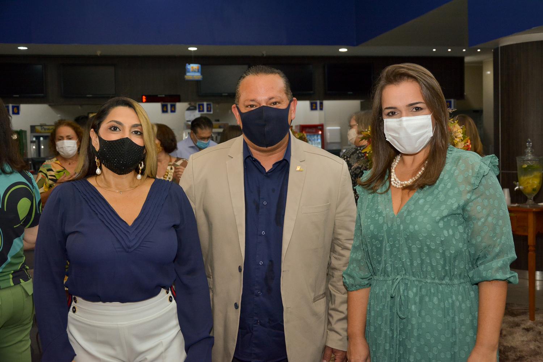 Presidente da FCDL MS, Inês Santiago, presidente da CDL CG, Adelaido Vila, vice-prefeita Adriane Lopes