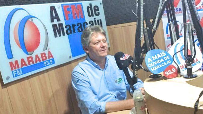 O secretário da Semagro, Jaime Verruck, durante entrevista para a Rádio Marabá FM 93.9 de Maracaju/MS.