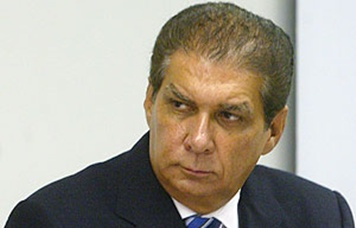 http://epoca.globo.com/tempo/expresso/noticia/2015/09/depois-de-reclamacoes-dilma-chama-senador-jader-barbalho-para-conversar.html