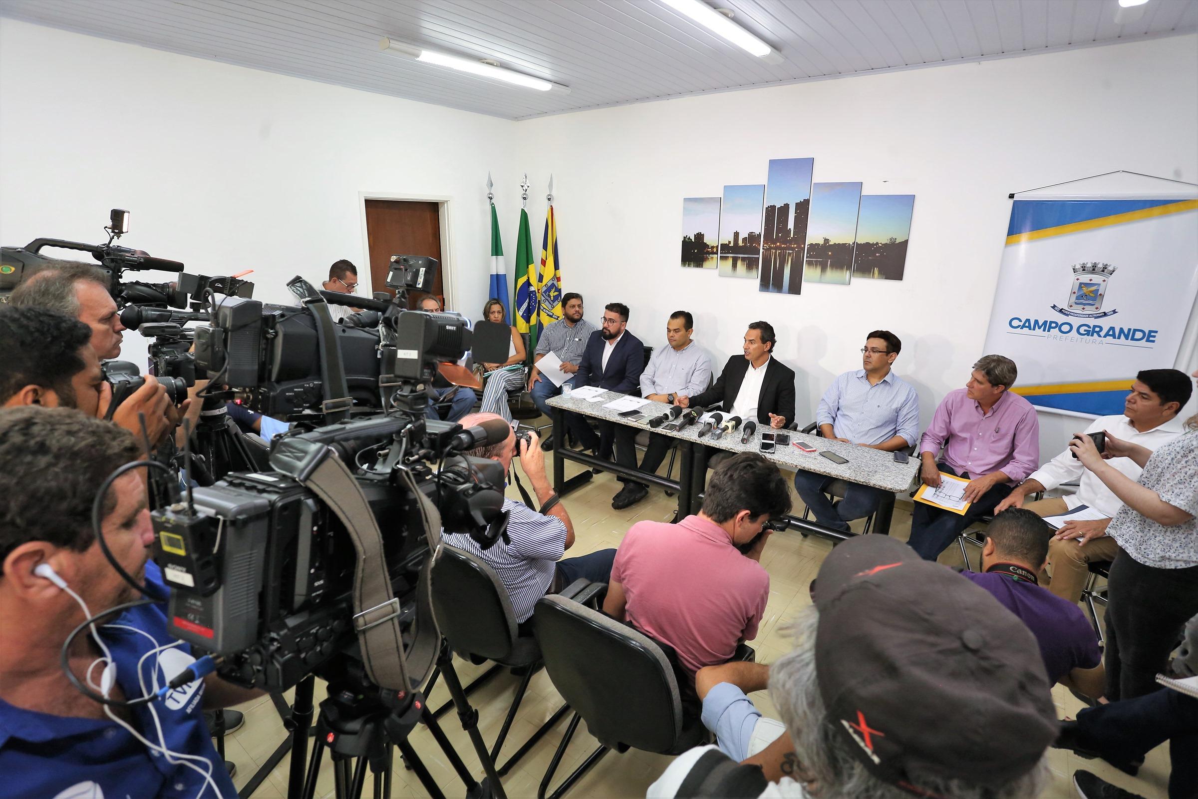 O prefeito Marquinhos Trad, relatou que a Secretaria de Estado de Saúde de Mato Grosso do Sul, publicou que quase 86% dos municípios estão em estado de alerta com a questão da dengue