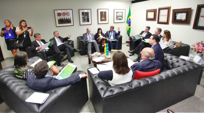 Reinaldo Azambuja pediu apoio da bancada federal para medidas prioritárias para MS.